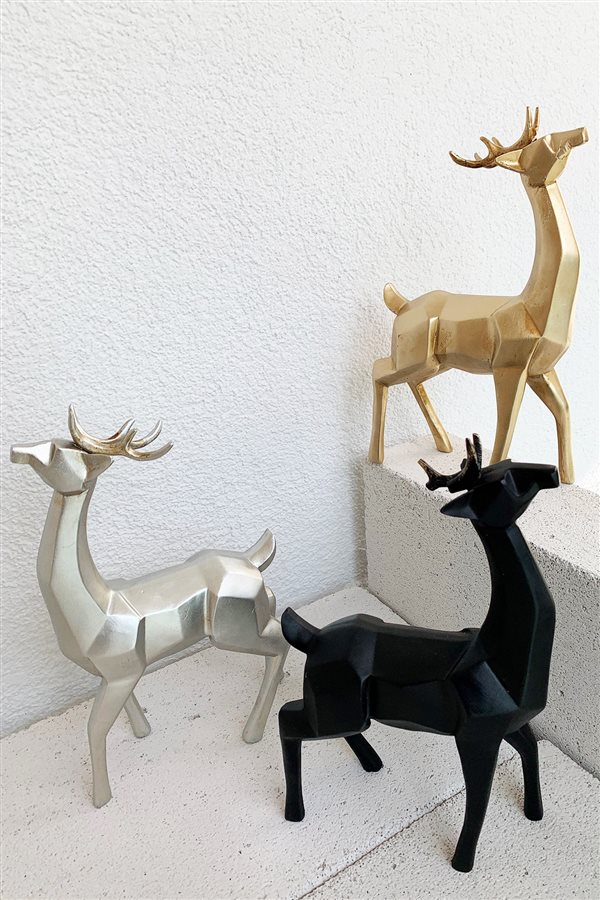 Cubic Black Deer Trinket